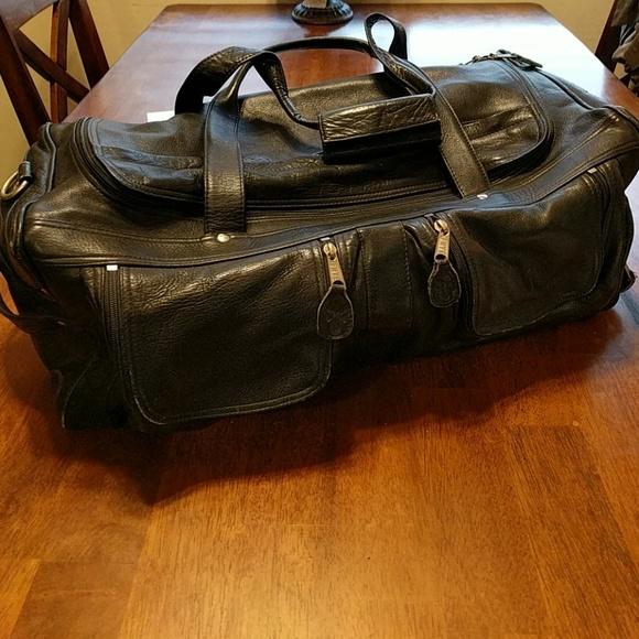 0c2713aa31 Frye Handbags - Rare Frye Weekender Duffle Overnight Black Bag
